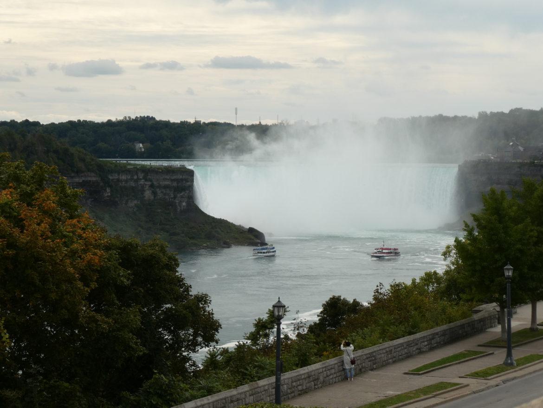 Niagara- zobacz, zmoknij, poszalej, odpocznij.
